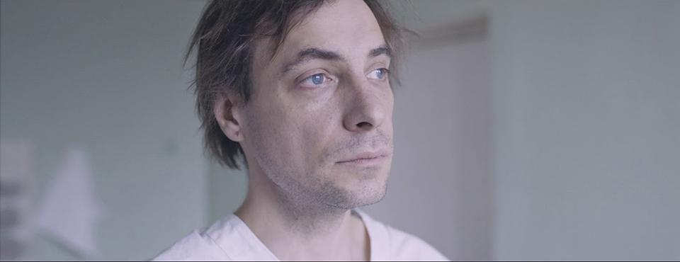 Кадр из фильма «Человек, который удивил всех», выпускницы ВКСР — Натальи Меркуловой