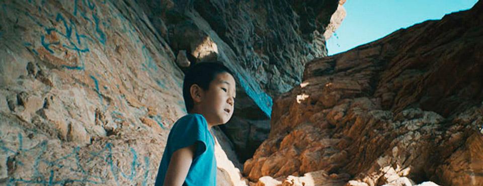 Кадр из фильма «Сулейман-гора»,  выпускницы ВКСР — Елизаветы Стишовой